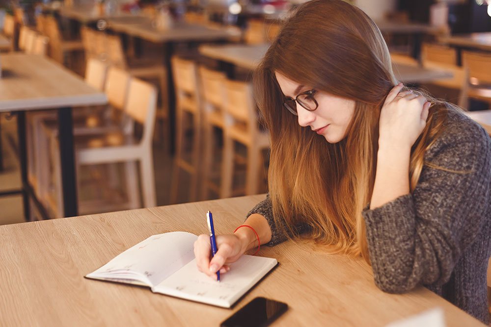 Beautiful Young Freelancer Woman Studying And Learning. Freelance Work, Business People Concept